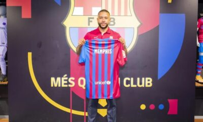Striker Memphis Depay made his first appearance at Barcelona