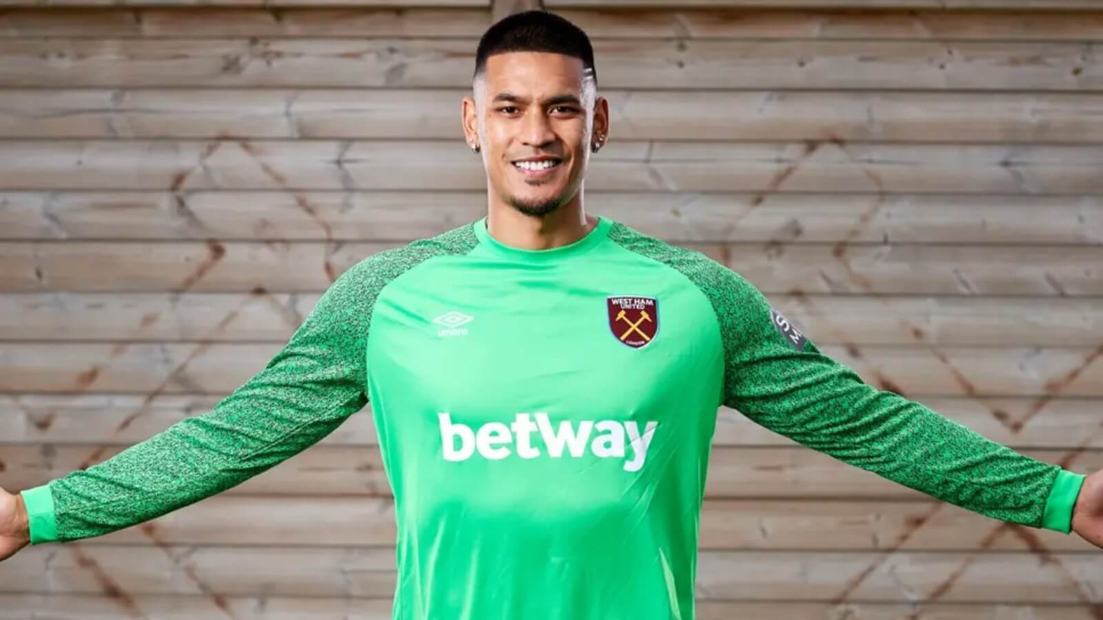 PSG keeper Areola join West Ham on loan