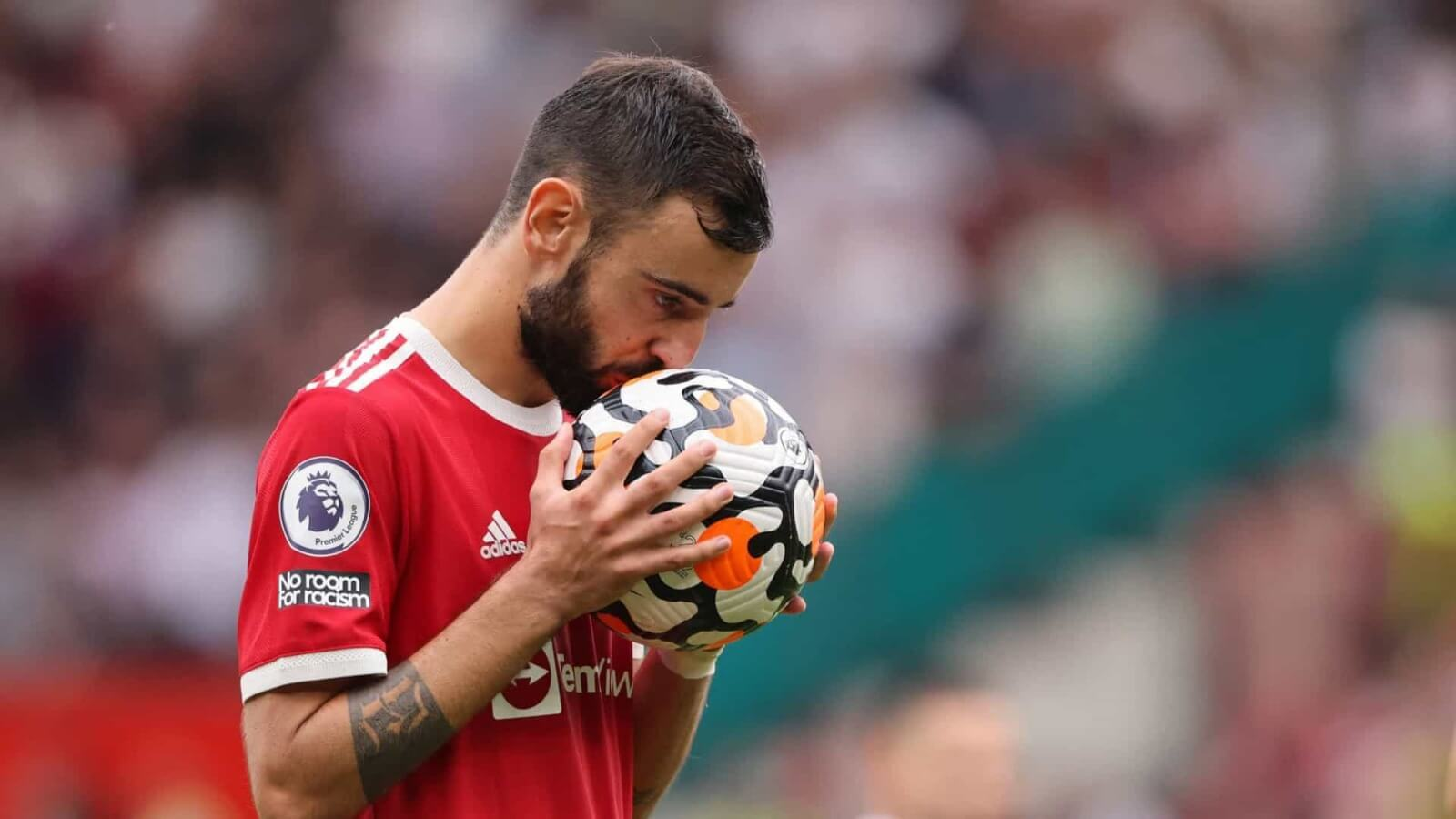 Fernandes apologized for missing penalty against Aston Villa