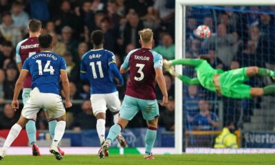 Everton defeated Burnley in six minutes of the second half