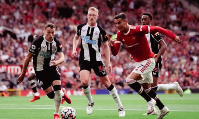 Manchester United beat Newcastle as Ronaldo hits double in his second spell