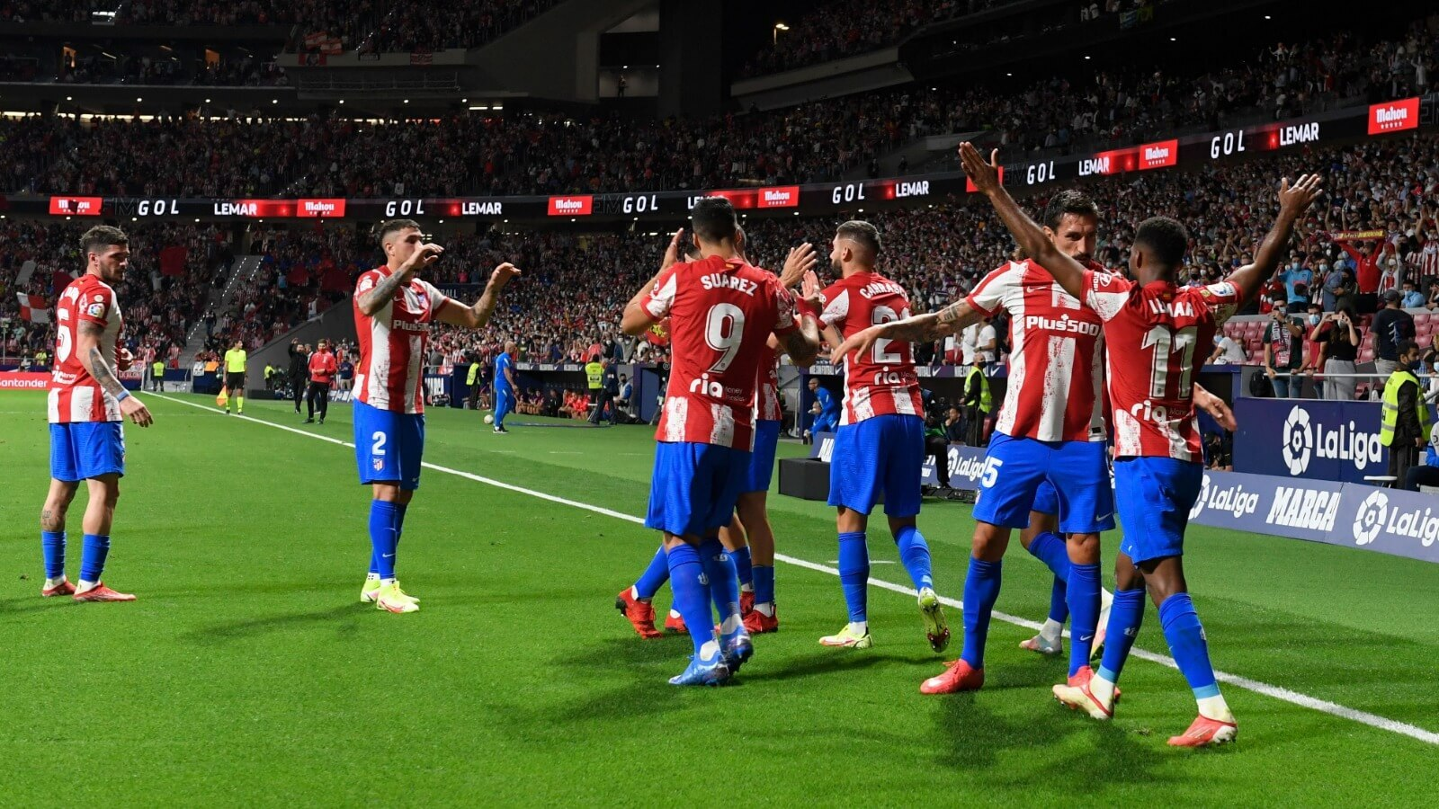 Atletico Madrid beat Barcelona with Suarez's against former club